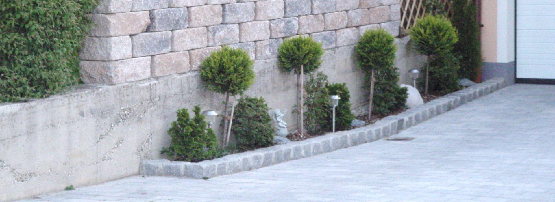 Referenz Mauern und Hangbefestigungen